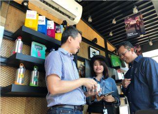 Tri Indonesia ketika memperingati Hari Pelanggan Nasional